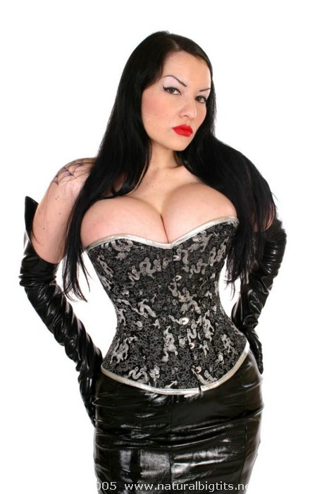 goth bbw big boobs