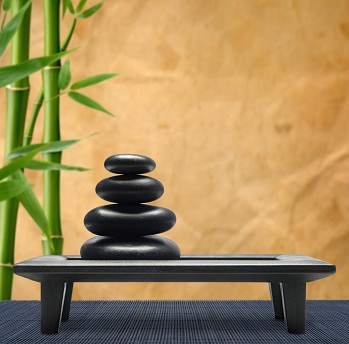 Le feng shui, ça prend de la place sur une table.